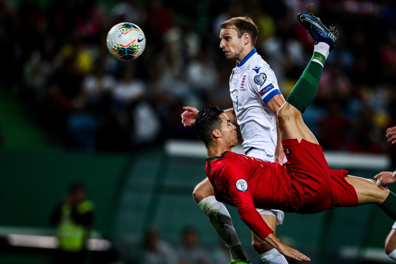البرتغال تفوز بثلاثية على لوكسمبرج في التصفيات الأوروبية والدون يقترب من تحقيق التاريخ.
