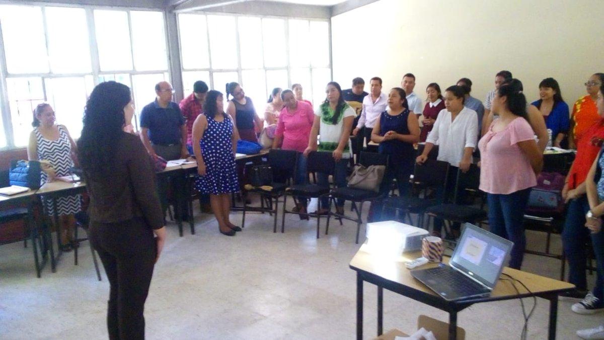 """En el #CentroDeMaestros Huejutla se llevó a cabo el curso """"Diseño de estrategias lúdicas para el aprendizaje de forma, espacio y medida"""", dirigido a docentes de #EducaciónBásica #DGDC #PFCE @SEPHidalgo"""