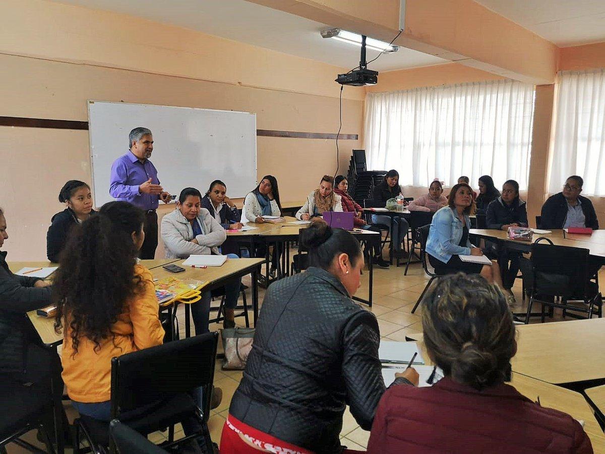 """En el #CentroDeMaestros Pachuca se realizó el curso """"Diseño de estrategias lúdicas para el aprendizaje de forma, espacio y medida"""", a través de situaciones auténticas y planeaciones con enfoque pedagógico del organizador curricular. #EducaciónBásica #DGDC #PFCE @SEPHidalgo"""
