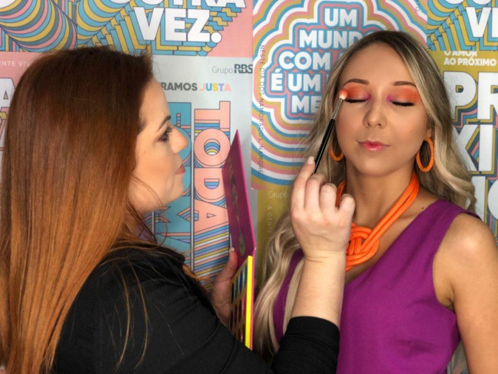 #92maismulher Descubra truques de maquiagem em alta no verão 2020 https://t.co/Zvkp9DC4IS https://t.co/OBgic0lyMU