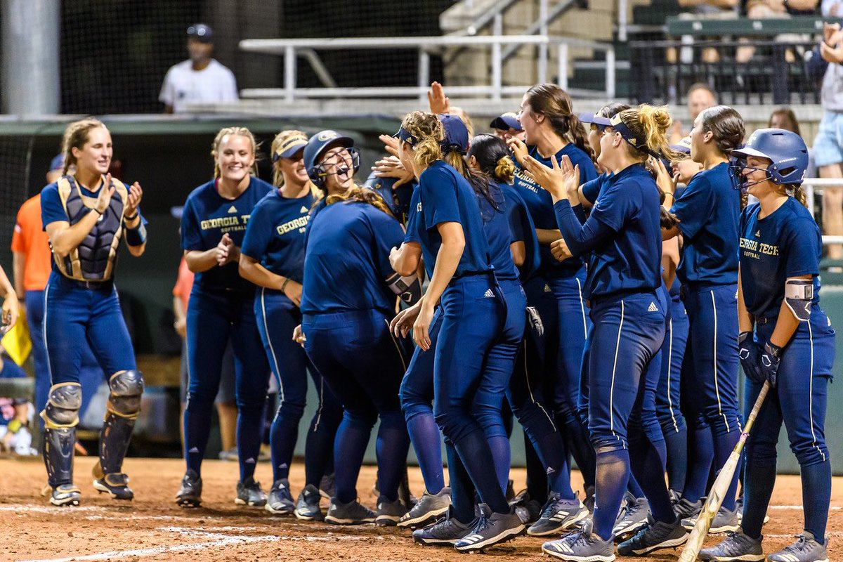 The Mew was 🔥🔥🔥 last night!! 👏🏽👏🏽Thanks to all the fans who came to see some GreaT 🥎🥎 #BeGold
