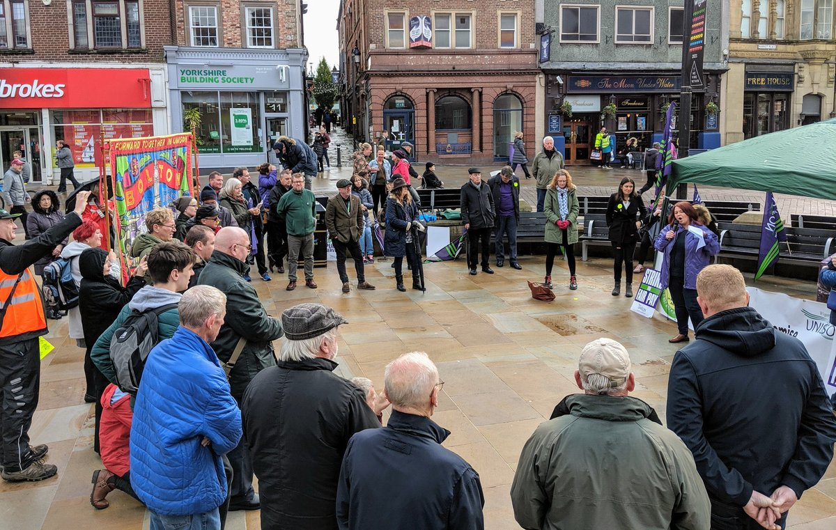 It was a pleasure to speak @NorthWestUNISON rally today in support of Addaction workers seeking fair pay and conditions and an end to this race to the bottom. Full support and solidarity from me, @Y_FovargueMP and @JoPlattMP