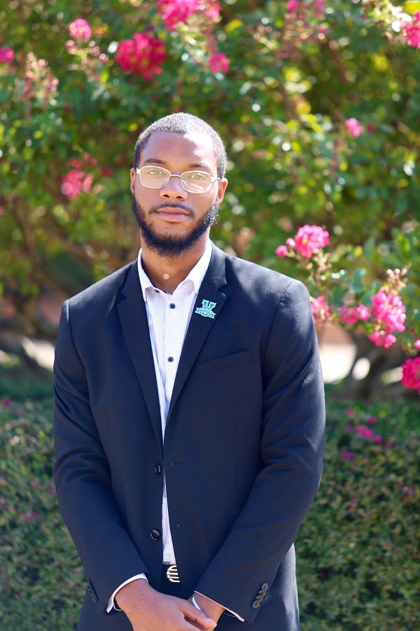 Glenn Johnson, an engineer technology major from Belzoni, recently shared his experience interning with FedEx of Memphis and his new part-time position with the MVSU/FedEx Logistics satellite office on campus. Read more: ow.ly/dZQr50wJ4dm #MVSU1950