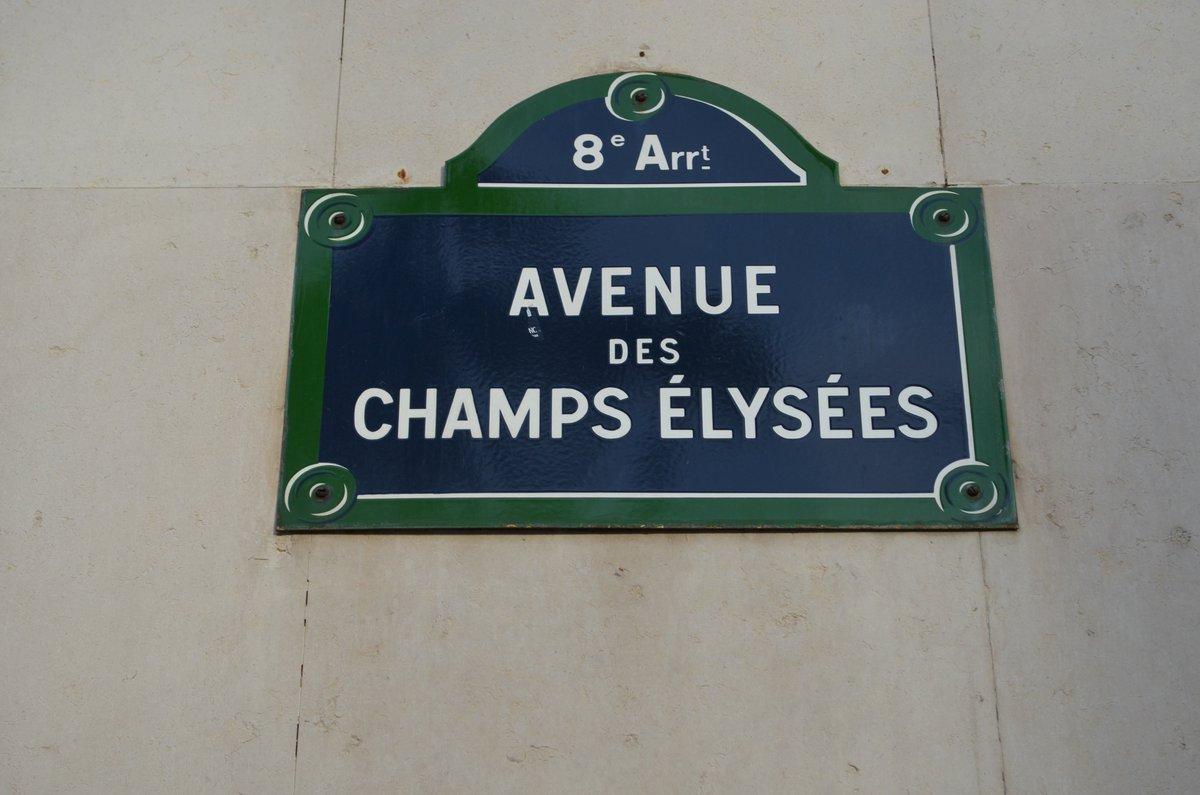 Strolling famous #champselysées  #Paris France October 2019<br>http://pic.twitter.com/IuFNLbBJsZ
