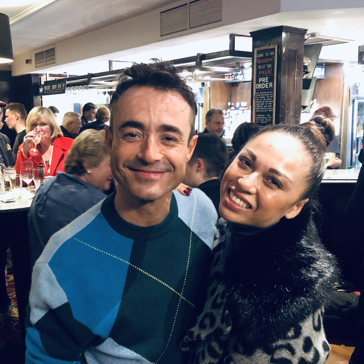 The brilliant @mrjoemcfadden everyone!!! Not just a strictly champion but and amazing singer, actor and performer!!!!! I was so emotional 😭 ! People up and dancing all the way through just proves what an amazing show @PriscillaTourUK is and how amazing you all are in it. ♥️