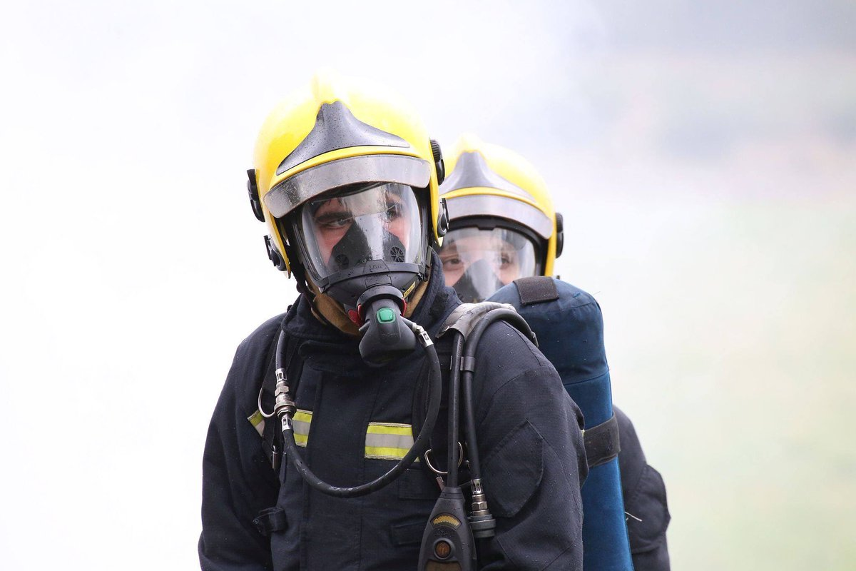 Searching for new adventures, new skills, new friends, and exciting new experiences? Why not join @LFBFireCadets? We are recruiting for adult volunteers to be instructors, and for young people aged 14-17 to join the #LFBfamily as #FireCadets. Apply here >>london-fire.gov.uk/community/youn…
