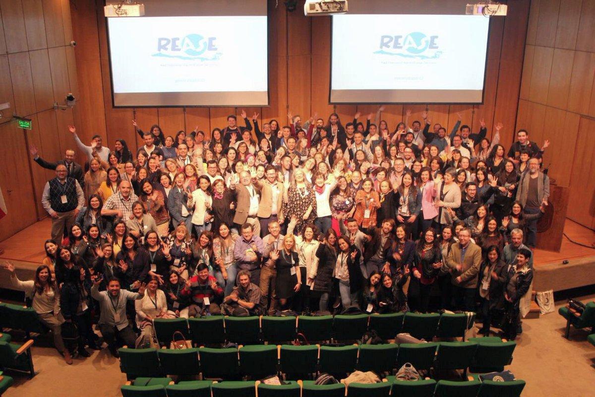 Muy lindo cierre del 7mo Seminario de #AprendizajeServicio junto con  @roserbatlle y Nieves desde @Clayssdigital y toda la Red chilena  @ReaseChile @ChantalJouannet @Hdecristo #aps #aprendizaje #CompromisoPublico https://t.co/yg92lPk7JD
