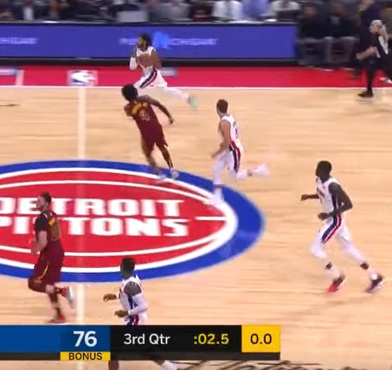 【影片】2.5秒完成後場奔襲上籃!回來吧,羅斯,曾經的風城玫瑰!-籃球圈