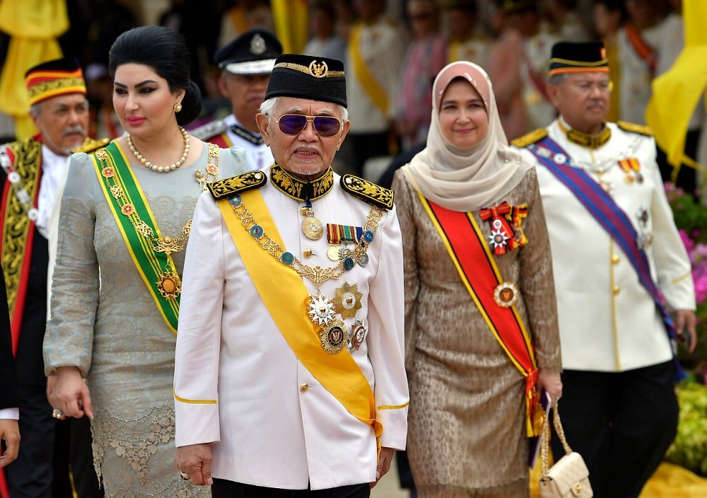 Happy 83rd Birthday to the King of Sarawak,Tun Pehin Sri Datuk Patinggi Abdul Taib of House Mahmud, First of His Name, Lord of the 12 Divisions, Khal of the Great Palm Oil Sea, Breaker of Timbers, The White Hair King, Protector of the Realm and Father of Bekir and Sulaiman. <br>http://pic.twitter.com/EwAIJQsBtB