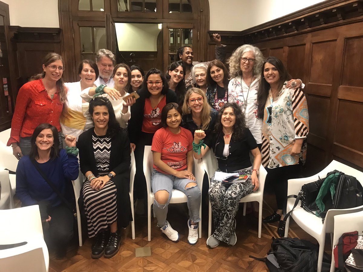 @MEugeniaRPalop y Laura Gómez en Diálogos feministas entre America Latina y Europa tejiendo lo común. Gracias a las colectivas feministas por participar!