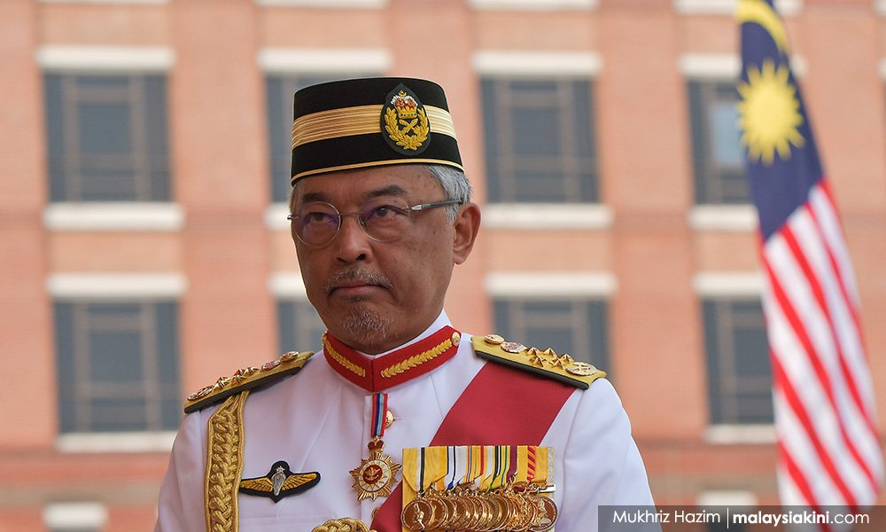 Agong: Address limited job opportunities for university graduates  https://www. malaysiakini.com/news/495594     <br>http://pic.twitter.com/tK2fwliPaY