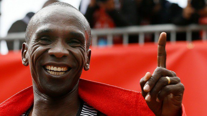 Eliud Kipchoge is attempting to become the first person to run a sub-two hour marathon but it wont be a World Record itv.com/news/2019-10-0…