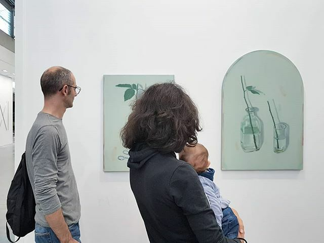 Milk and #ContemporaryArt at @artverona at @studiosalesroma stand with #painting by @romina_bassu. #ArtFair #ArtVerona #PenzoFiore #CosmoPenzoFiore https://t.co/r7XQiVO5js