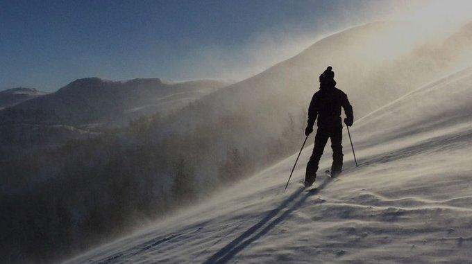 Nada como disfrutar de un buen reportaje de @riverolavictor estos findes sin nieve. Hoy toca @Morzine, un auténtico paraíso entre el Mont Blanc y las Dents du Midi 👉 https://t.co/UAxEi9MCGP
