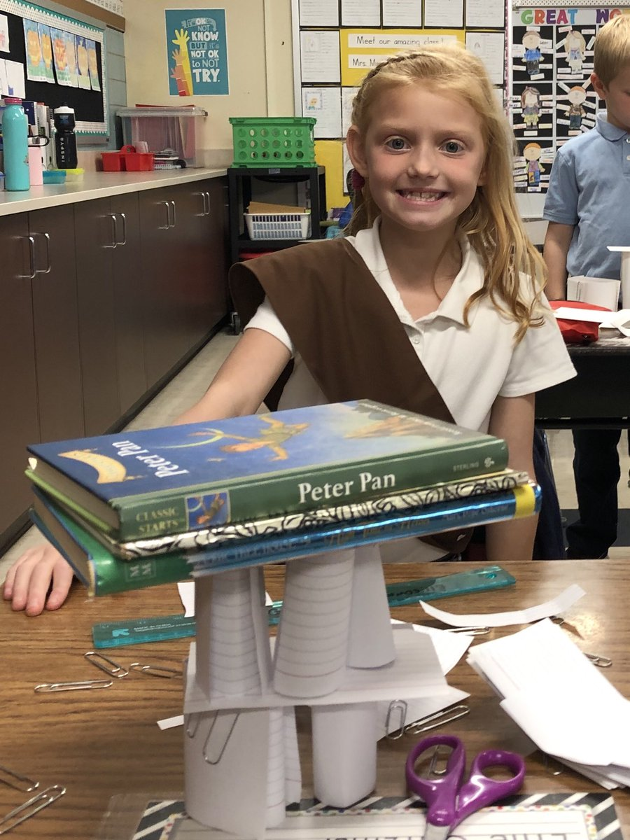 """2nd Grade STEM activity: """"Find a way"""" to build a structure out of index cards that can support a book. Our young engineers crushed it! #FindAWay #ScienceRocks <br>http://pic.twitter.com/EsmFp5bvVK"""
