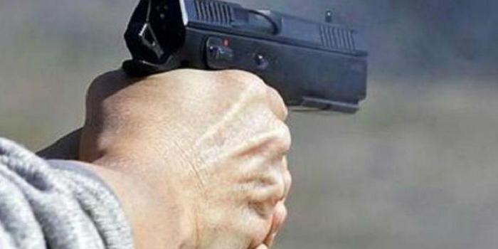 #एसआई रामेश्वर तोमर ने एक मामूली से विवाद पर फायरिंग कर दी। पूरे इलाके में सनसनी फैल गई। ... https://www.bhopalsamachar.com/2019/10/gwalior-news-si.html…