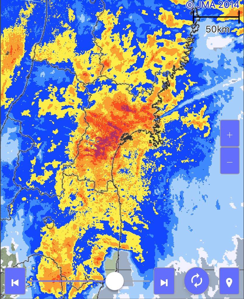 23:45現在、宮城県、雨は猛烈に降り続いています。 特に、土砂災害、河川の氾濫などの危険性の高い地域で避難所等に避難できていない方は、いつでも逃げられる格好、体制で。