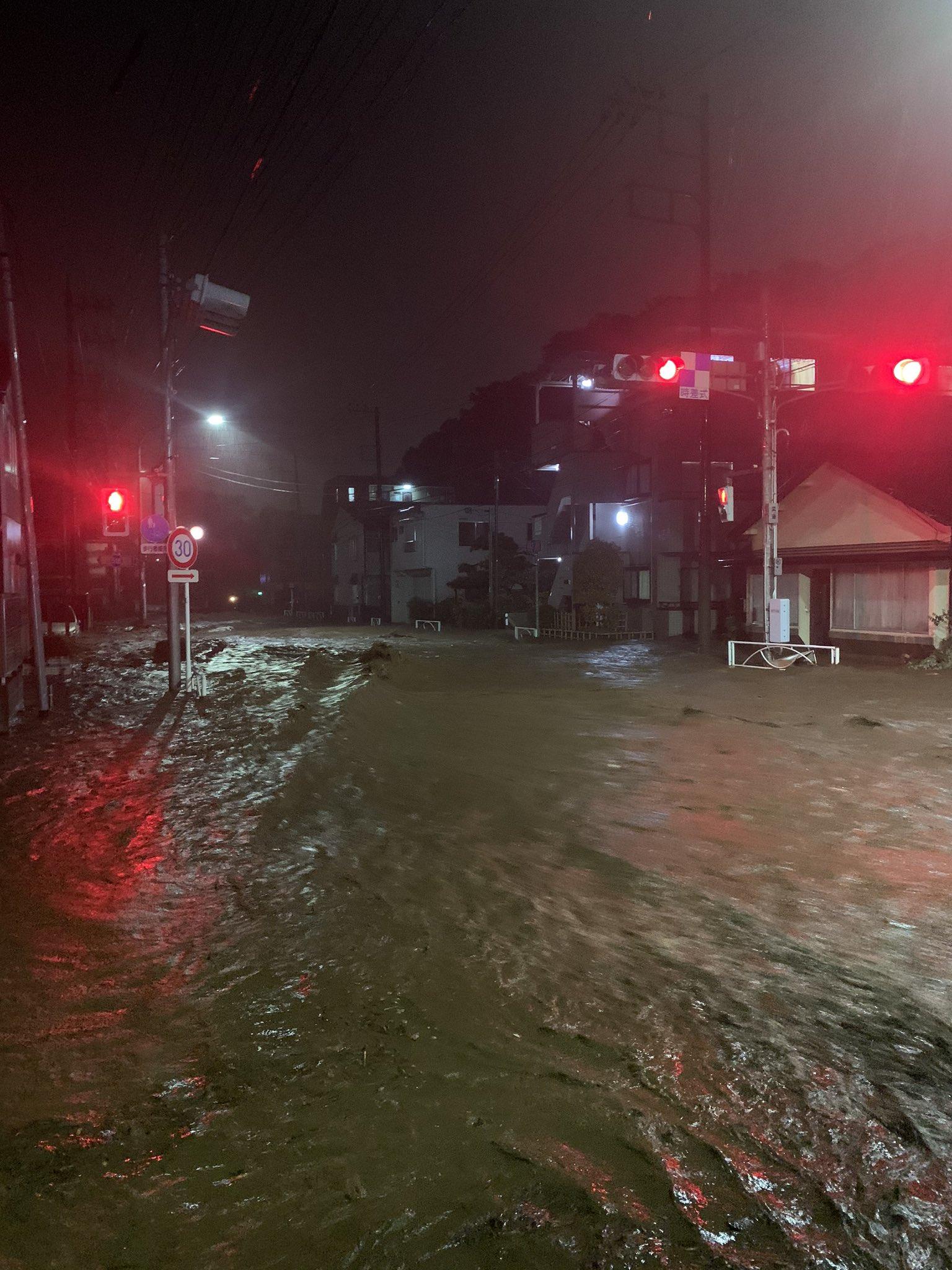 台風19号で氾濫し八王子市高尾町が冠水や侵入している現場画像
