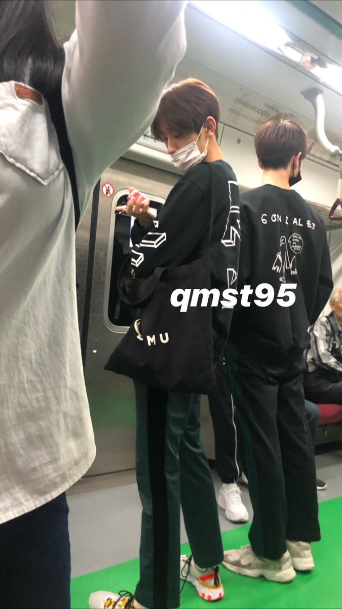 Minseo bfr going out : take any totebag he saw Yunseong : minseo that's not the right totebag, use this *handing dwmu totebag* <br>http://pic.twitter.com/NqmEA8n9mZ