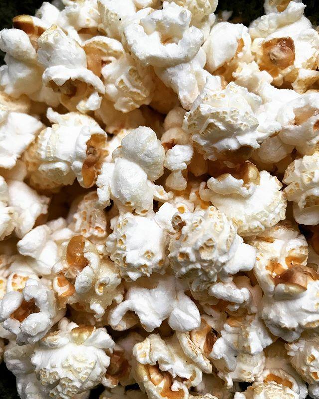 Rainy Saturday afternoon = family movie + fresh popcorn from #northcrossroadmarket 🍿😉🍿😉🍿#somoreish !! ••• #sesussed #eastdulwich #selondonmarket #selondon #loveselondon #familylife #sefamilyfun #supportlocal #southlondonliving #lovelocal #southea…