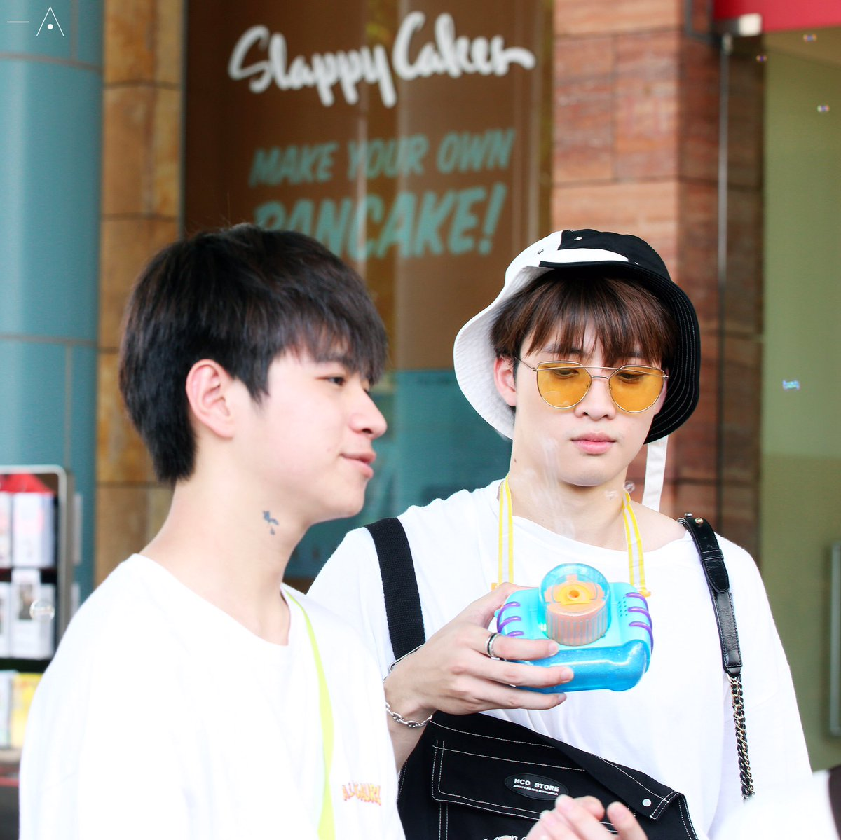 "20191012 2wish Singapore Honeymoon in USS  Kindergarten boy Mean tried to attract his sweetheart Plan. ""Look at me look at me!""   #CHAMESingaporeTripx2wishDay4 #2wish  #MeanPhiravich  #คนของแปลน @m34nismind @bplannnnn<br>http://pic.twitter.com/QN3xCfsZwf"