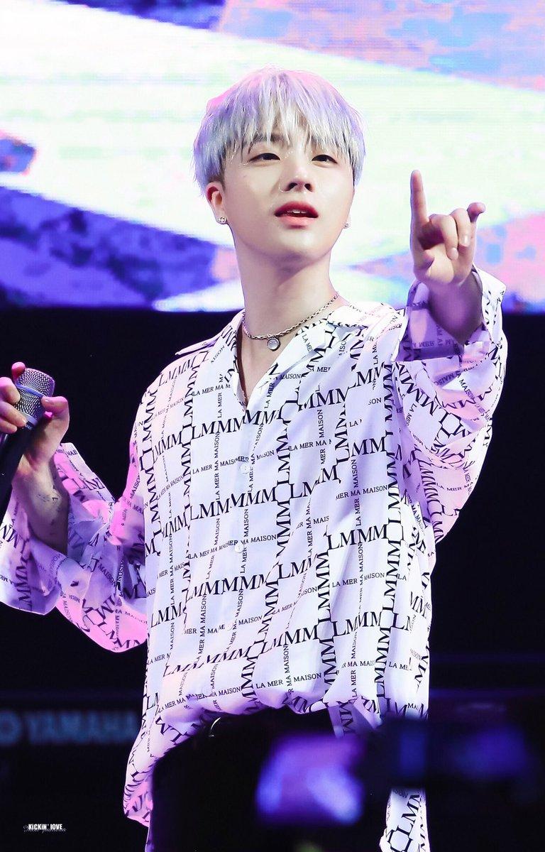 HQ  GOOD NIGHT   #김진환 #진환 #JINHWAN #jay #kimjinhwan #ジナン #iKON  @iKON_gnani_____<br>http://pic.twitter.com/SJLD51V4SS
