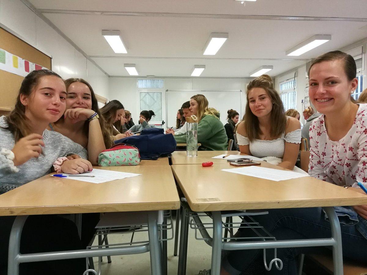Danke für eure Aufmerksamkeit #Austausch #Intercambio @InstitutSantPol #Wolfhelmschule. Wir sind #begeistert #moltcontents #cosesdeprofe #aprenentatge per anar per la #vida i #videstrobades https://t.co/WbMNRHBs87
