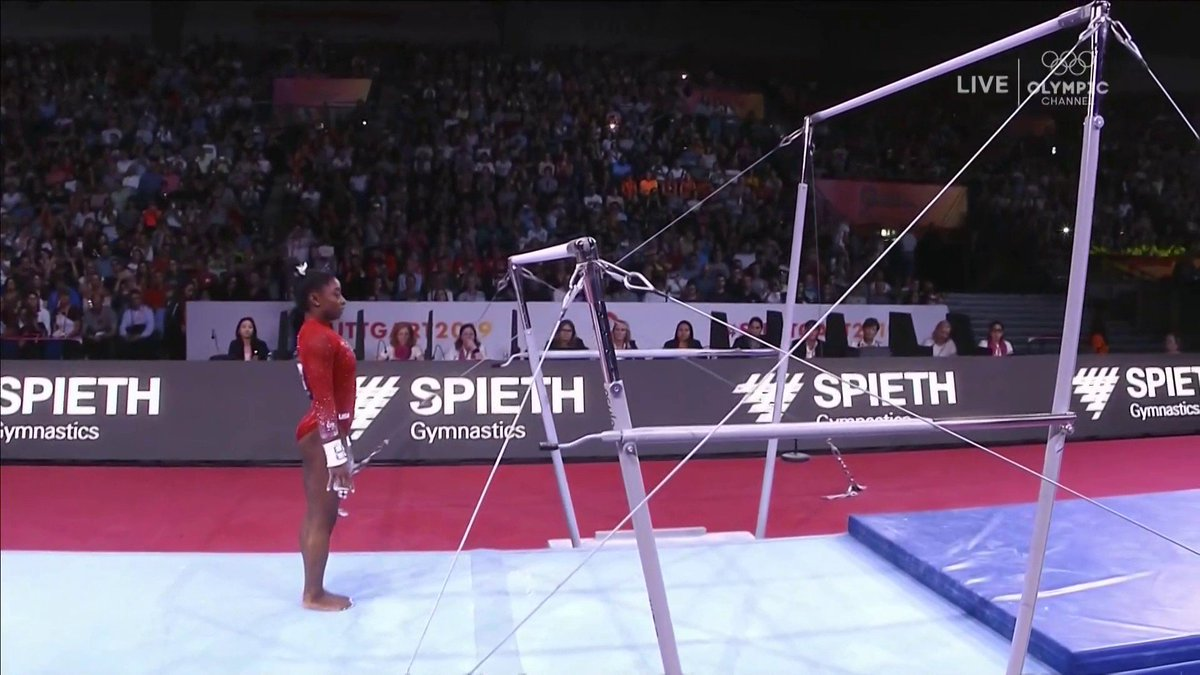Simone SOARS 🕊️  A stellar performance by @Simone_Biles on the uneven bars at #Stuttgart2019 in the individual events final.