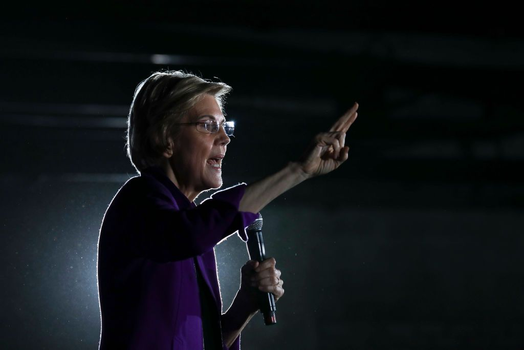 Elizabeth Warren Targets Facebook's Ad Policy With a Fake Ad Claiming Mark Zuckerberg Endorsed Trump's - Top Tweets Photo