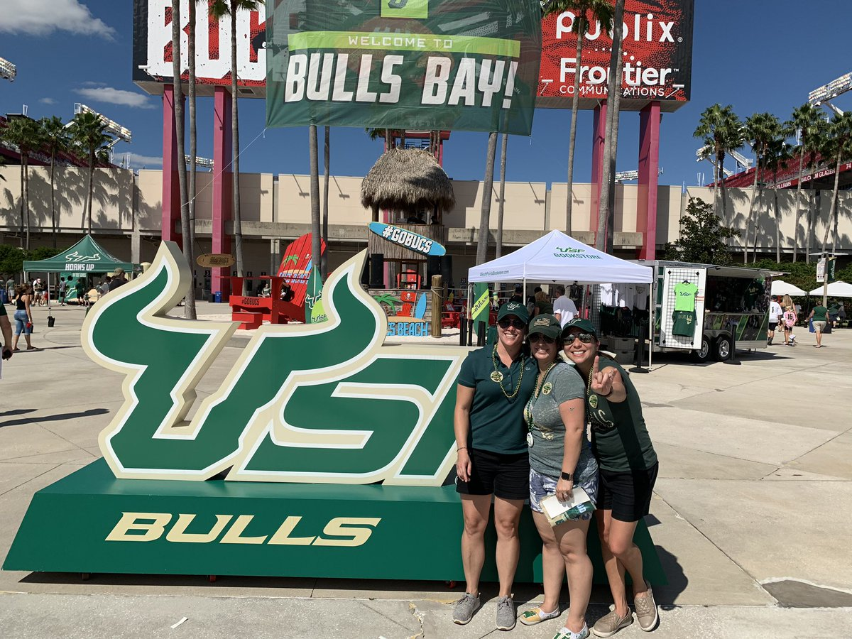 Homecoming 2019! #GoBulls <br>http://pic.twitter.com/Bmt8Gn0ZxW