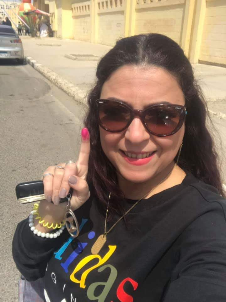 BREAKING Revolutionary icon @Esraa2008 Esraa Abdel Fatah has been kidnapped by security forces in civilian clothing says human rights lawyer Mohammed Zaree.
