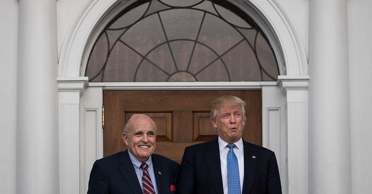 Trump and Giuliani sticking together as the impeachment inquiry heats up - Top Tweets Photo