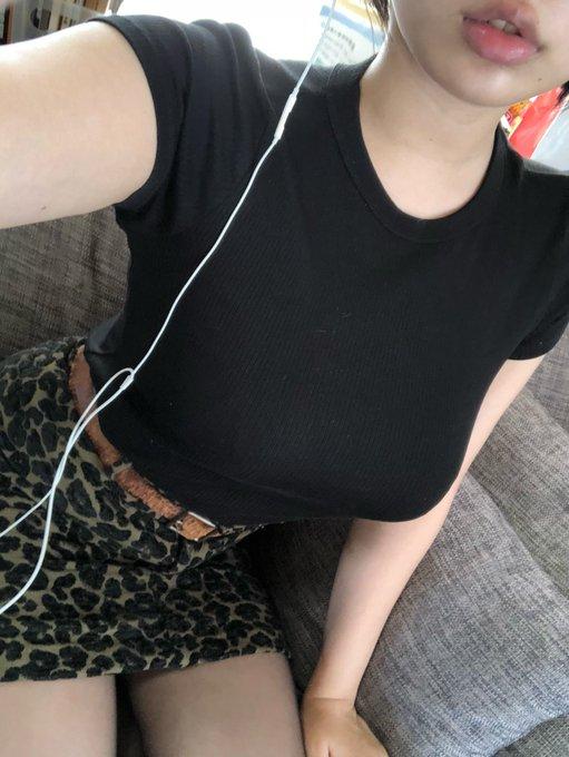 グラビアアイドル安位薫のTwitter自撮りエロ画像10