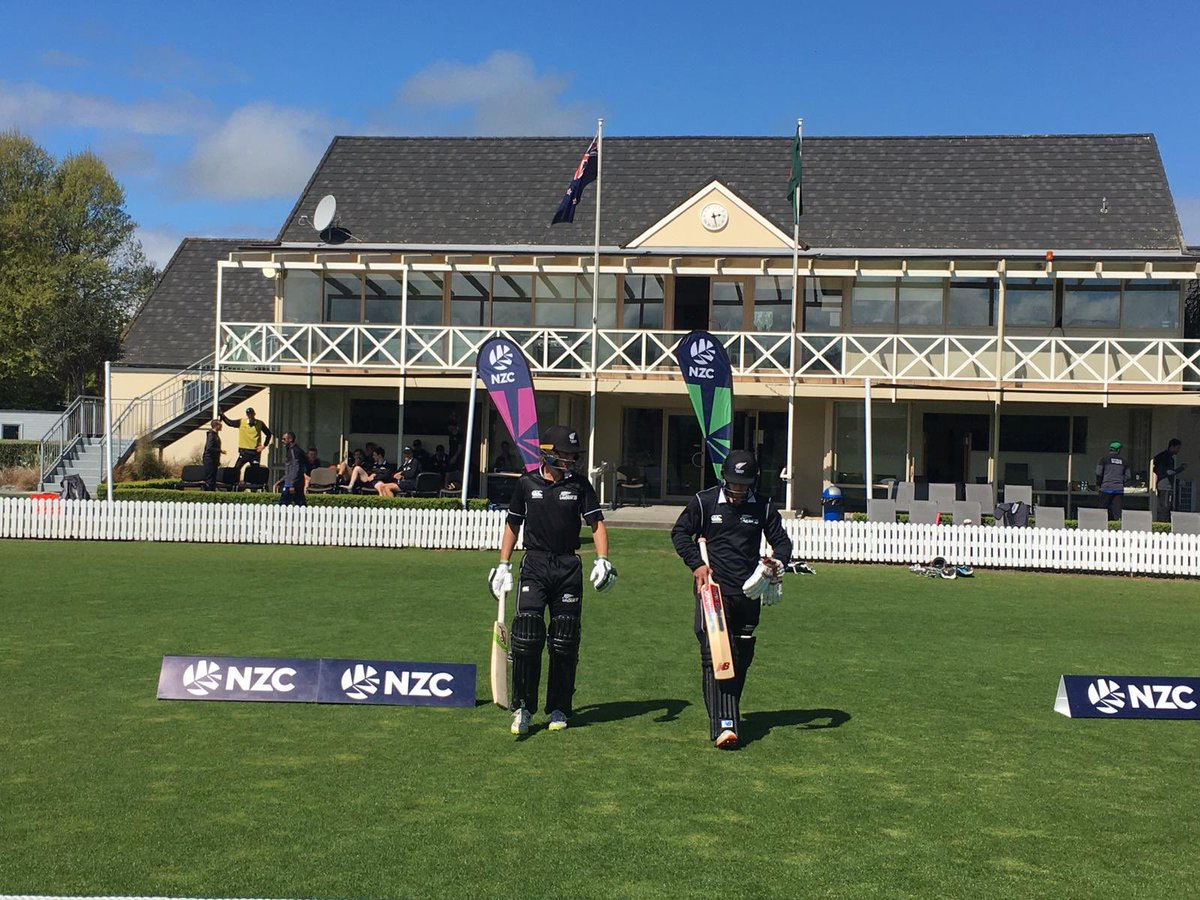 The NZ U19s have a big chase on their hands at Lincoln this afternoon with 317 required to win the 5th & final one-dayer v Bangladesh. Card | scoring.nzc.nz/livescoring/ma… #cricketnation