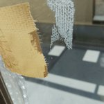 ガムテープ跡にハンドクリームを塗った結果?跡が消えた!
