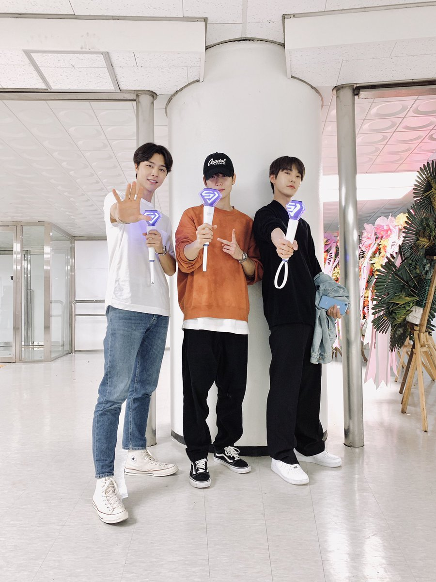#SUPERSHOW8 💙💚 #SUPERJUNIOR #INFINITE_TIME #NCT #NCT127 #DOYOUNG #JAEHYUN #JOHNNY