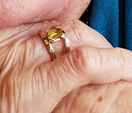 Hey Tweeps, have a BIG favour to ask. My mum lost a ring last night we think at Dolphins Leagues Club Redcliffe (Qld). A 55th wedding anniversary gift from dad who had it specially made (see pic). Dad passed away soon after. She's devastated. Tweeting in hope...