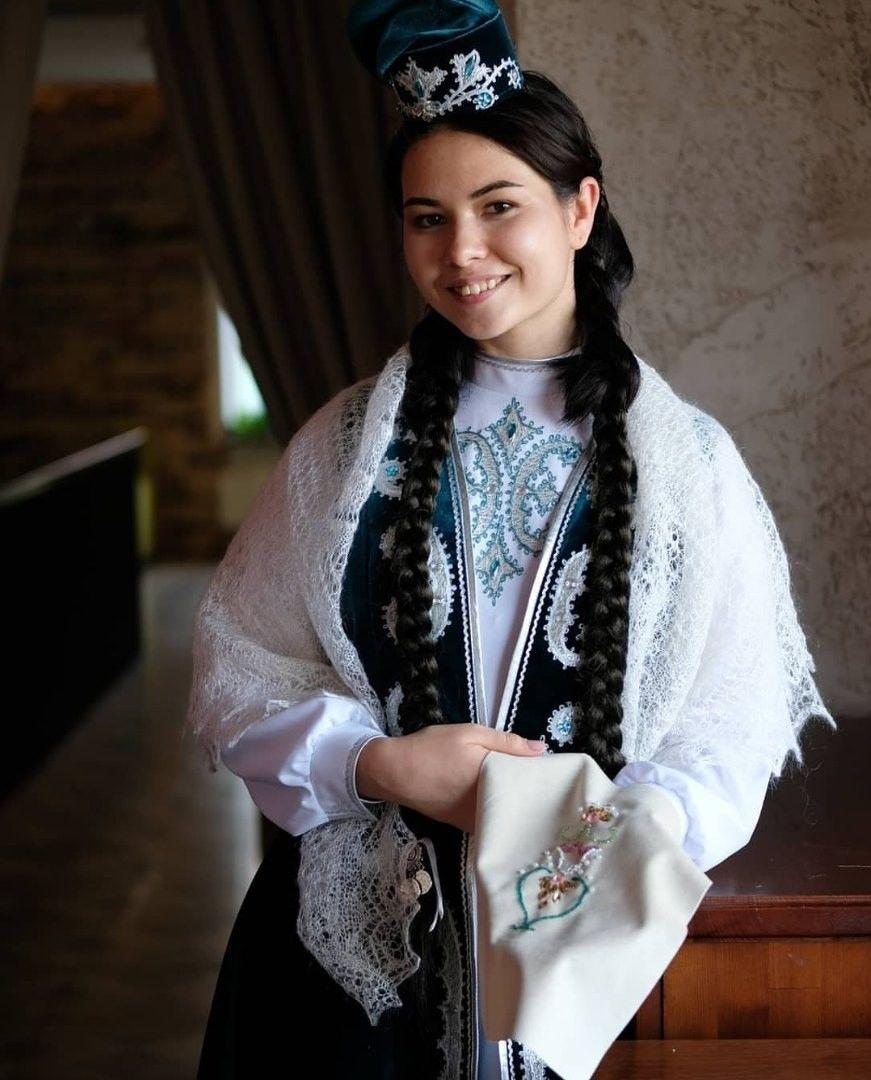кин отреагировала чистокровные татары внешность фото которых раскладывают