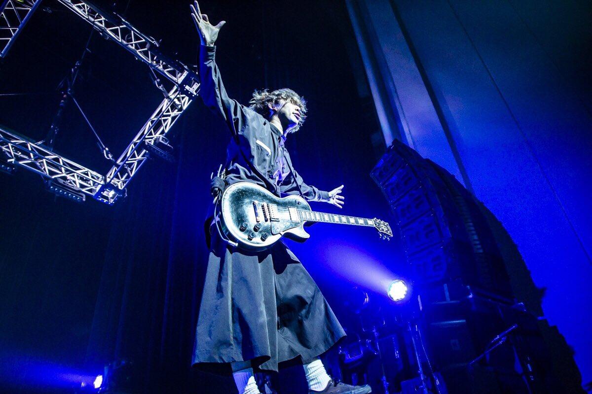 都会のラクダ ″ホール&ライブハウス″ TOUR 2019〜立ちと座りと、ラクダ放題〜福岡サンパレスホールツアー最終日。福岡にて。今日みたいな日があるから、まだまだ未来にも期待したくなる。あなたがいるから鳴らすんだ。凄く楽しかった!ありがとう!!photo by @cazrowAoki