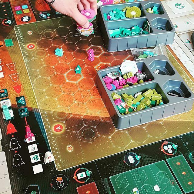 Components!!! On Mars Coming soon!! @vitallacerda @malditogames #onmars #j2s #bgg#eurotrashjuegos #juegosdemesa #boardgame #labsk #jeuxdesociete #brettspiel #eurotrash #bggplay #boardgames #jocsdetaula #eurogame #tabletopgame #giochidatavolo #sällskaps… https://ift.tt/2M9r2nY