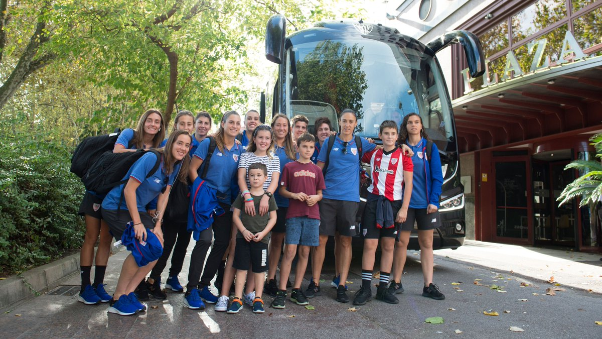 🏨 #AthleticClubFem 🔴⚪️🦁 are already in Donostia. ⏳ 4⃣ hours 👉 #RealSociedadAthleticClub