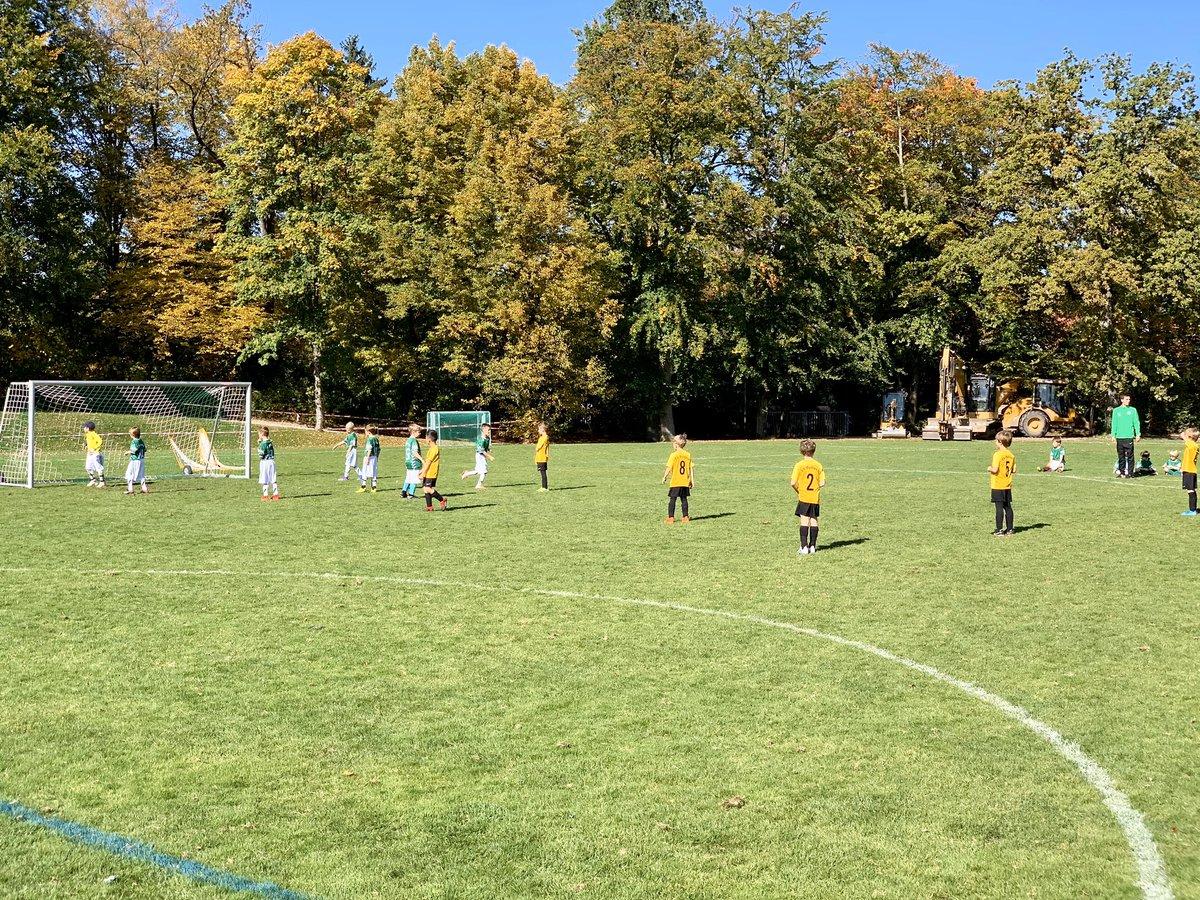 Heute gegen TSV #Grünwald. So genial, die Kleinen spielen zu sehen. Herzblut und Einsatz stimmen. Absolut top! 😃👍🏼⚽️ #SVPullach #Pullach