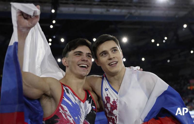 Российский гимнаст Нагорный завоевал золото чемпионата мира в опорном прыжке. Серебро выиграл еще один россиянин Артур Далалоян: go.tass.ru/A5RO