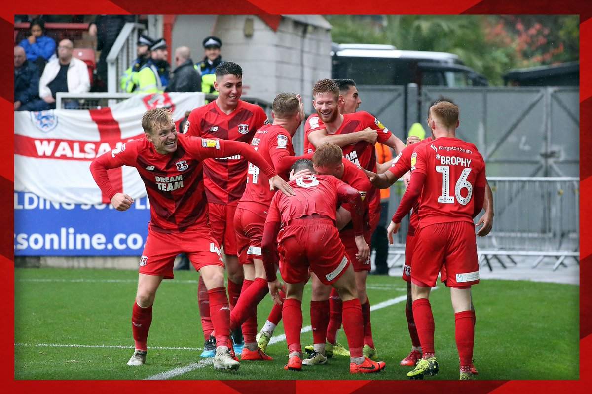 .@Joshwright4 = our reaction when Matt Harrold tucked away the second yesterday. 👊  #LOFC #OnlyOneOrient https://t.co/0GosozNjLd