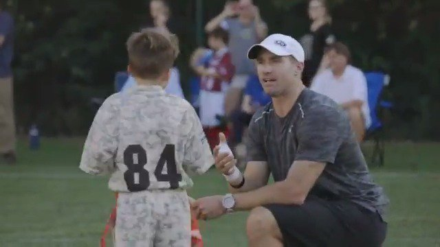 On Sundays, Drew Brees is the @Saints quarterback. But on Friday nights, he's the coach.  @CowherCBS paid a visit to Brees' Football 'N' America flag football league, where kids can learn to play the game in a fun and competitive environment.