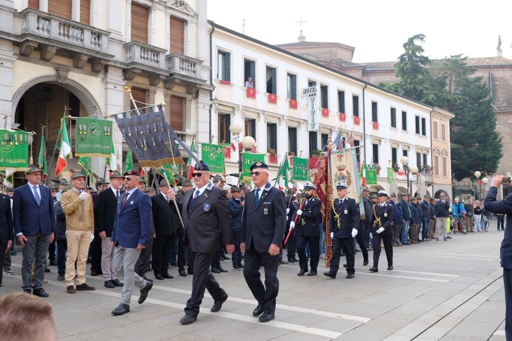 Tributo degli Alpini alla 53. festa della Madonna ...