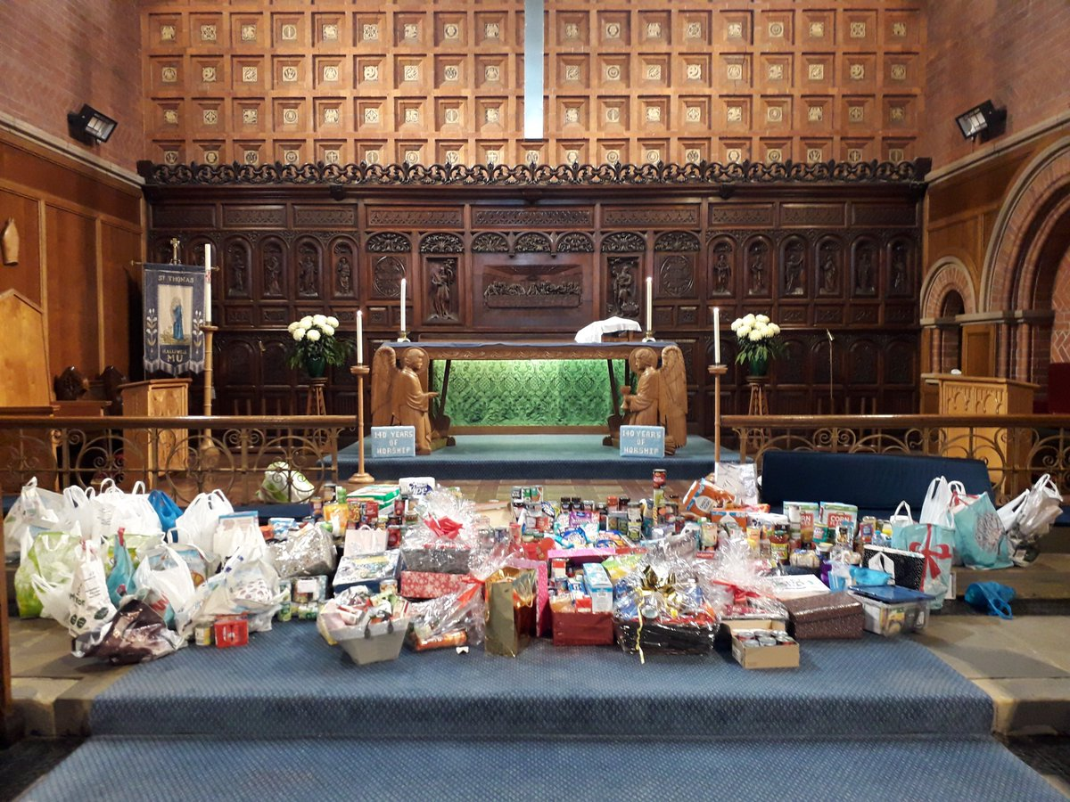 Great to celebrate Harvest at St Thomas, Halliwell this morning. The school choir sang beautifully. Lovely to see so many gifts. Thank you for praying over the new Tiny Toms team too. Remember to be Jesus to the Zaccheuss of today. @StThomas_CE @west_bolton @UrbanOutreachUK