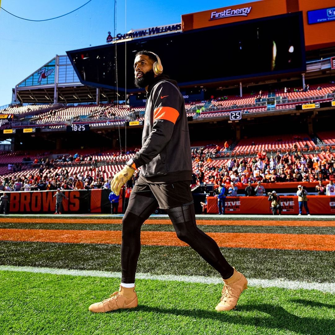 .@OBJ Week 6  : @Browns<br>http://pic.twitter.com/ygHDA6nzYS