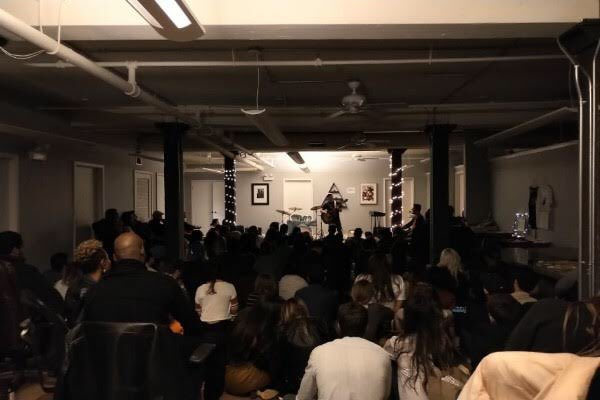 Thank you @SofarChicago & all the lovely people, artist & bands I met tonight.    #music  #musician  #livemusic  #wearemusic  #thephoenixwithin #neverstopdoingwhatyoulove<br>http://pic.twitter.com/KK78NBNcxT