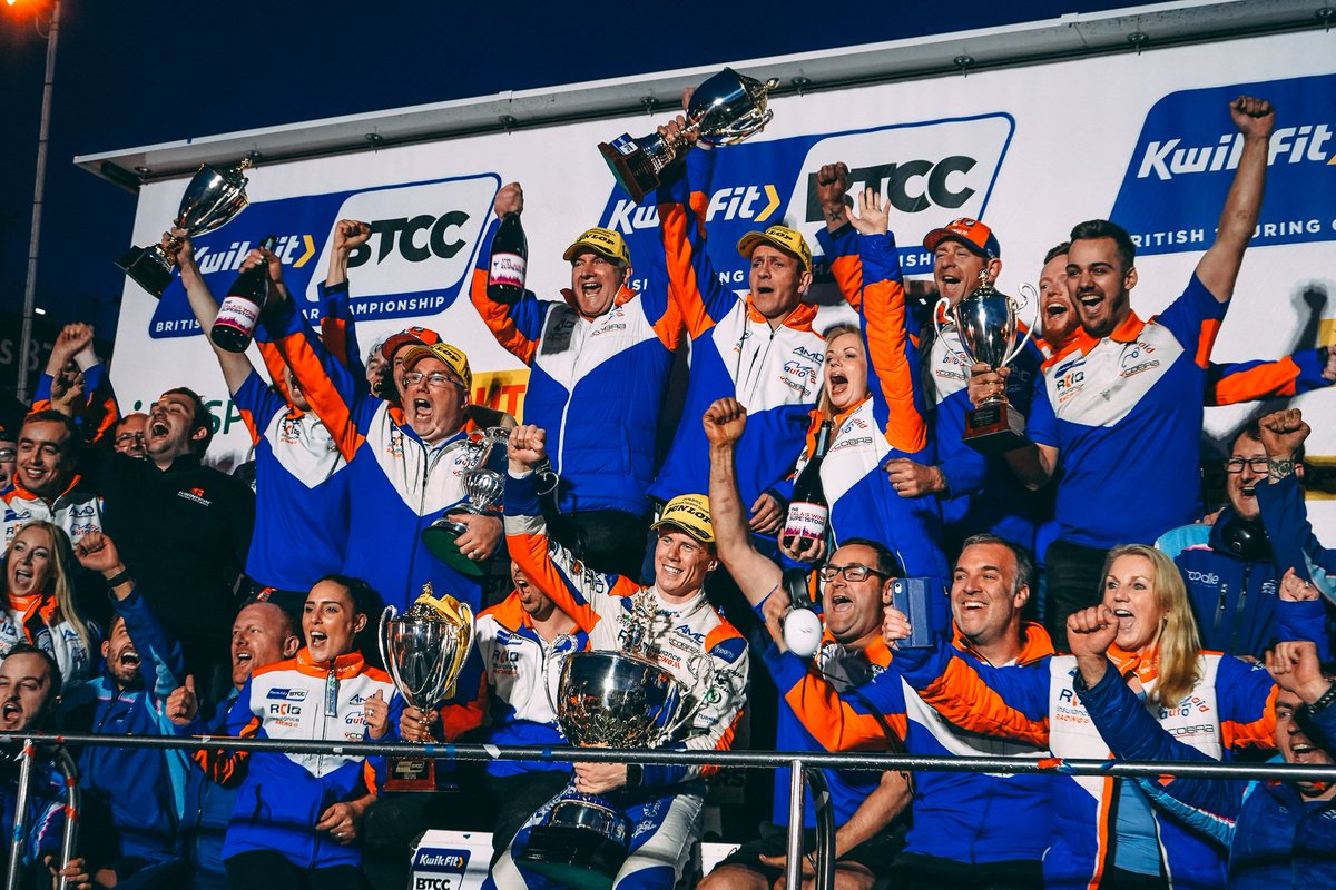 🏆🏆🏆  A three-trophy haul for @AmDessex and @RCIBRacing as they take the Jack Sears, Independents Team & Drivers trophies! Congrats! https://t.co/lMOTX9fVBp